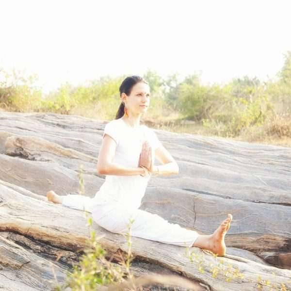 Yoga Poses & Asanas - Basic to Advanced hanumanasana