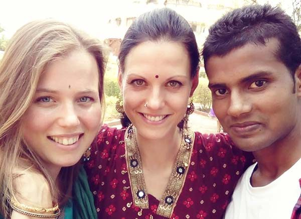 divine friendship shree hari yoga school
