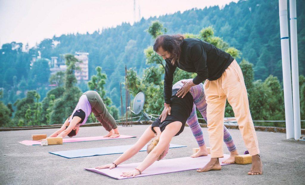 Ashtanga Yoga adjustment class 100 hour yttc